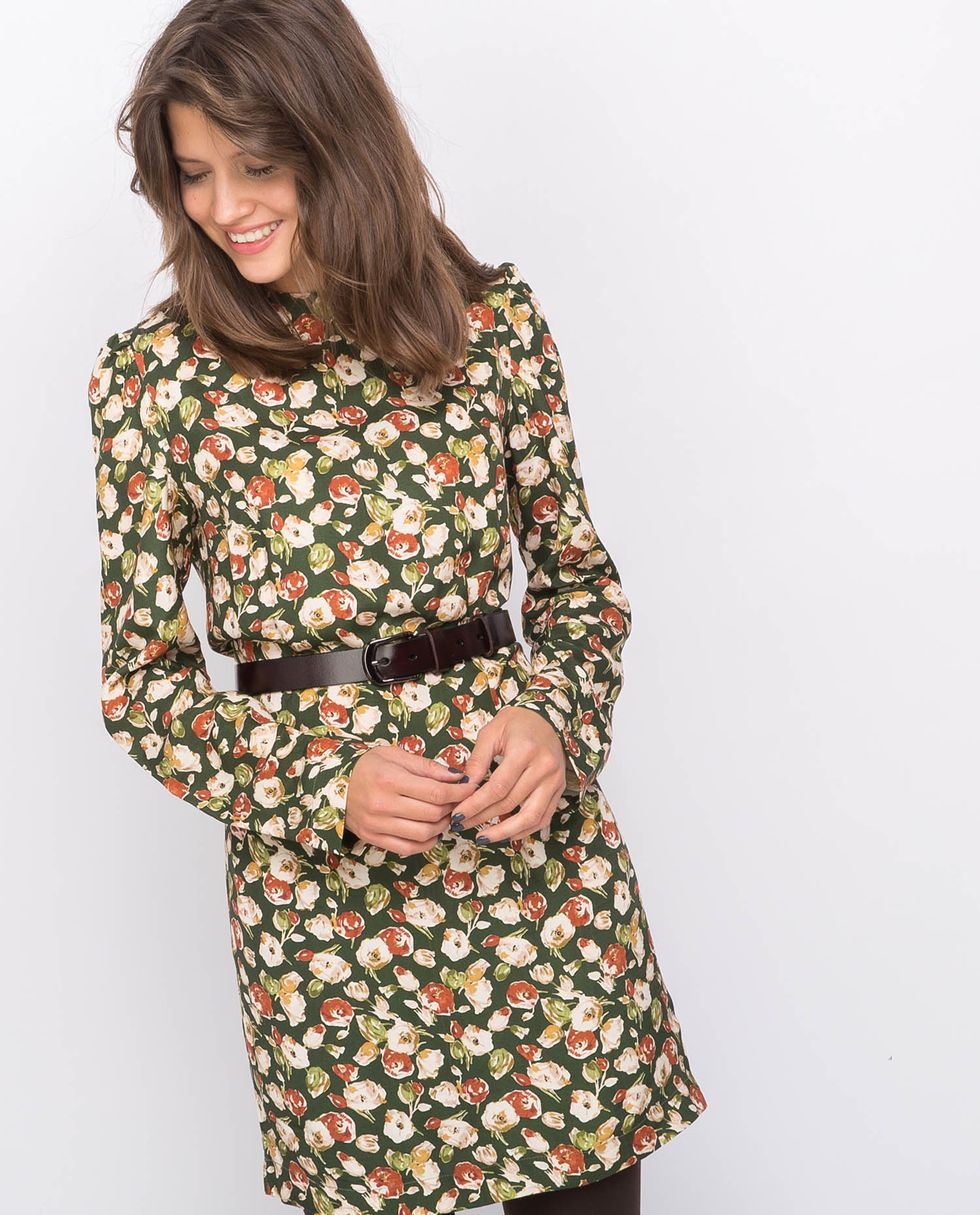 Платье мини в цветок Мплатья<br><br><br>Артикул: 8296517<br>Размер: M<br>Цвет: Зеленый<br>Новинка: НЕТ<br>Наименование en: None