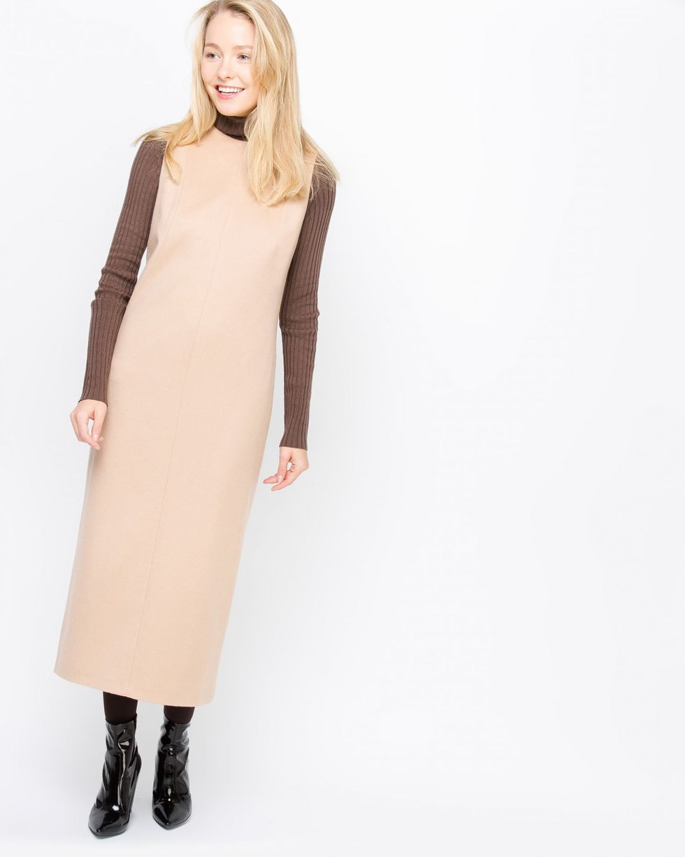 Платье миди без рукавов из кашемира XSПлатья<br><br><br>Артикул: 8296751<br>Размер: XS<br>Цвет: Светло-бежевый<br>Новинка: НЕТ<br>Наименование en: Sleeveless cashmere midi dress