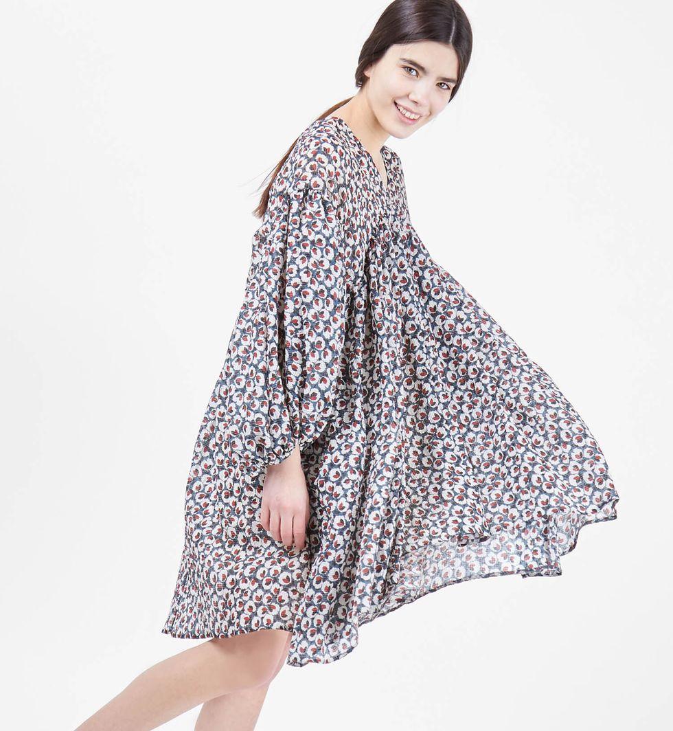 Платье с объемными рукавами One sizeПлатья<br><br><br>Артикул: 8296874<br>Размер: One size<br>Цвет: Серо-голубой в цветок<br>Новинка: НЕТ<br>Наименование en: Lantern sleeve oversized dress