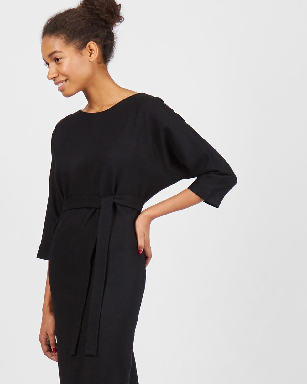 цена 12Storeez Платье миди с вырезом и пуговицами сзади (черное) онлайн в 2017 году