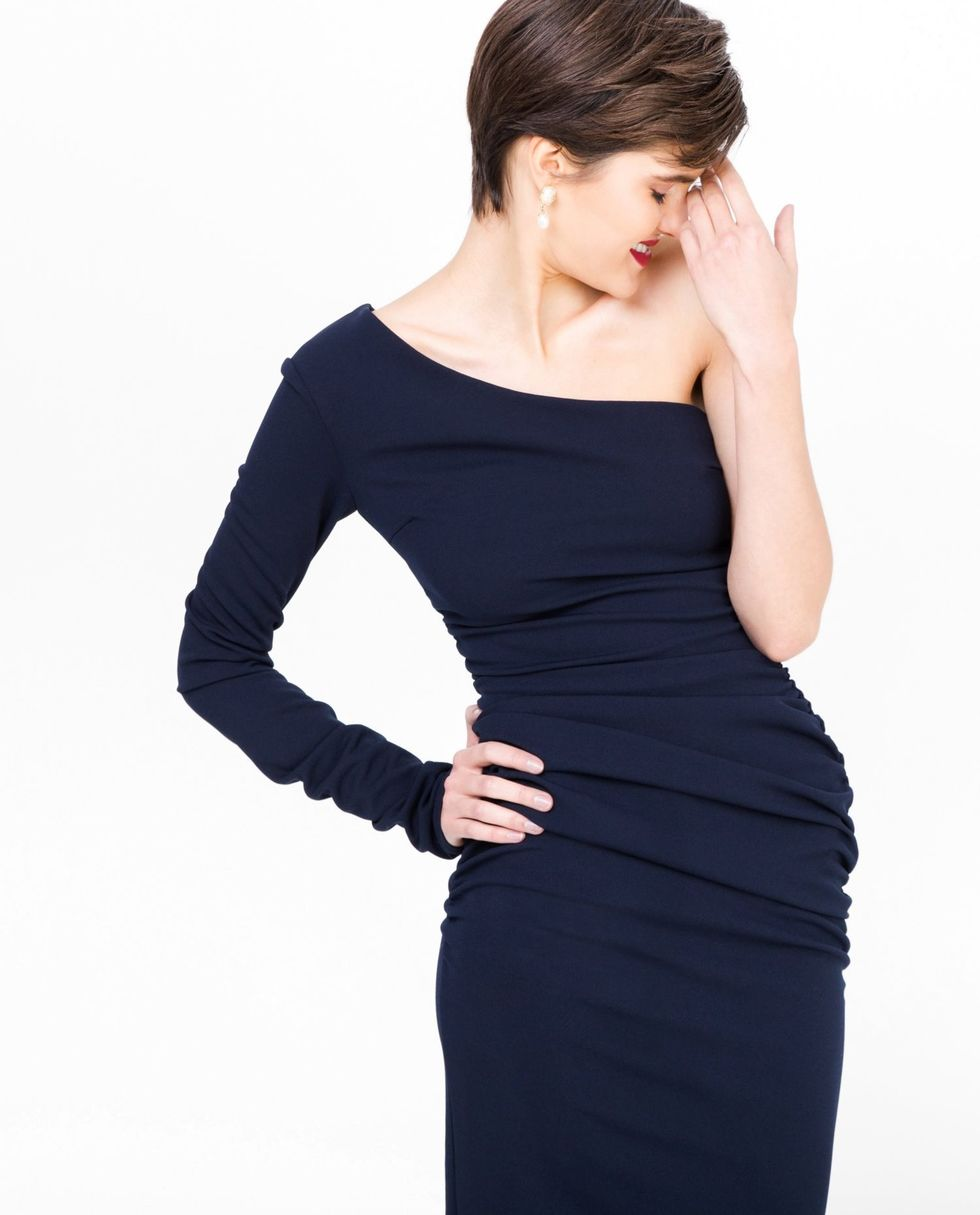 Платье с одним рукавом LПлатья<br><br><br>Артикул: 8297192<br>Размер: L<br>Цвет: Тёмно-синий<br>Новинка: НЕТ<br>Наименование en: One shoulder dress