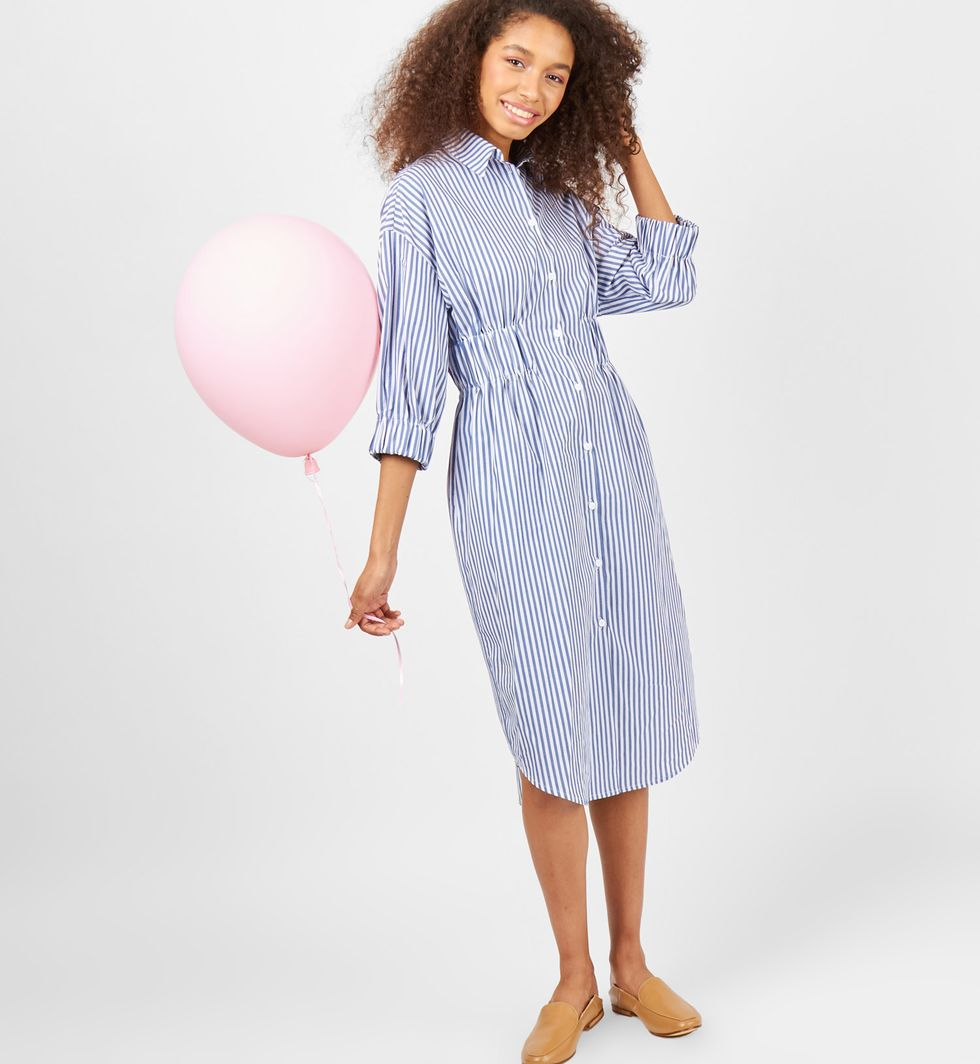 Платье-рубашка в полоску SПлатья<br><br><br>Артикул: 8298185<br>Размер: S<br>Цвет: Темно-синяя полоска<br>Новинка: НЕТ<br>Наименование en: Striped shirt dress
