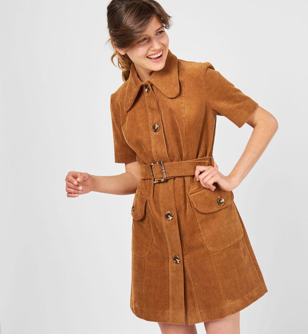 Платье из вельвета с коротким рукавом SПлатья<br><br><br>Артикул: 8298419<br>Размер: S<br>Цвет: Светло-коричневый<br>Новинка: НЕТ<br>Наименование en: Short sleeve mini dress