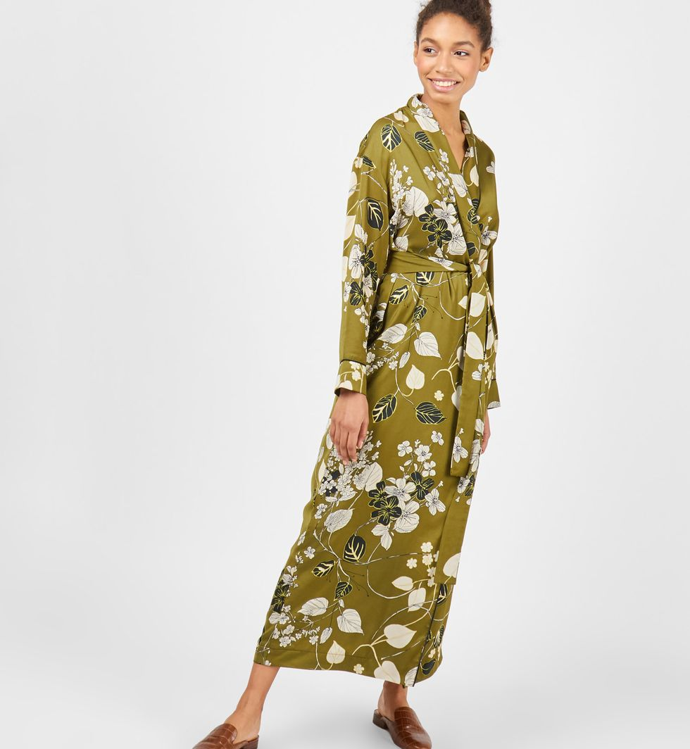 Платье-халат с цветами Mплатья<br><br><br>Артикул: 8298501<br>Размер: M<br>Цвет: Зеленый<br>Новинка: НЕТ<br>Наименование en: Floral print robe dress
