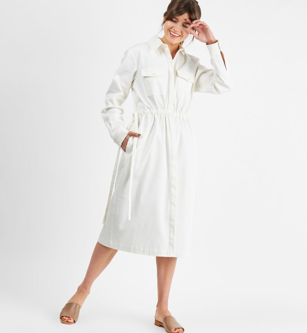 Платье из плотного хлопка с карманами MПлатья<br><br><br>Артикул: 8298550<br>Размер: M<br>Цвет: Белый<br>Новинка: НЕТ<br>Наименование en: Patch pocket midi dress