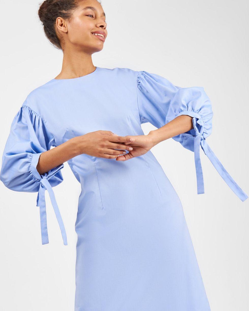 Платье из плотного хлопка с рукавами фонарик LПлатья<br><br><br>Артикул: 8298623<br>Размер: L<br>Цвет: Голубой<br>Новинка: НЕТ<br>Наименование en: Bell sleeve midi dress