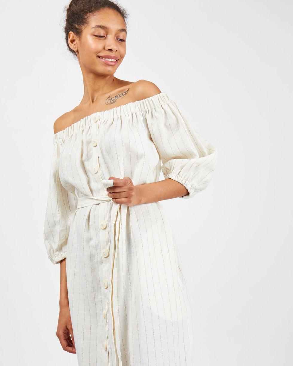 Платье изо льна с рукавом фонарик SПлатья<br><br><br>Артикул: 8298711<br>Размер: S<br>Цвет: Молочный<br>Новинка: НЕТ<br>Наименование en: Off the shoulder bell sleeve dress