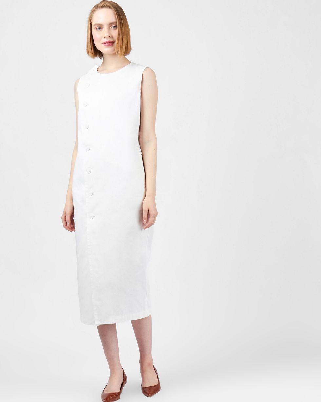 Платье без рукавов из плотного хлопка MПлатья<br><br><br>Артикул: 8298825<br>Размер: M<br>Цвет: Белый<br>Новинка: НЕТ<br>Наименование en: Sleeveless midi dress