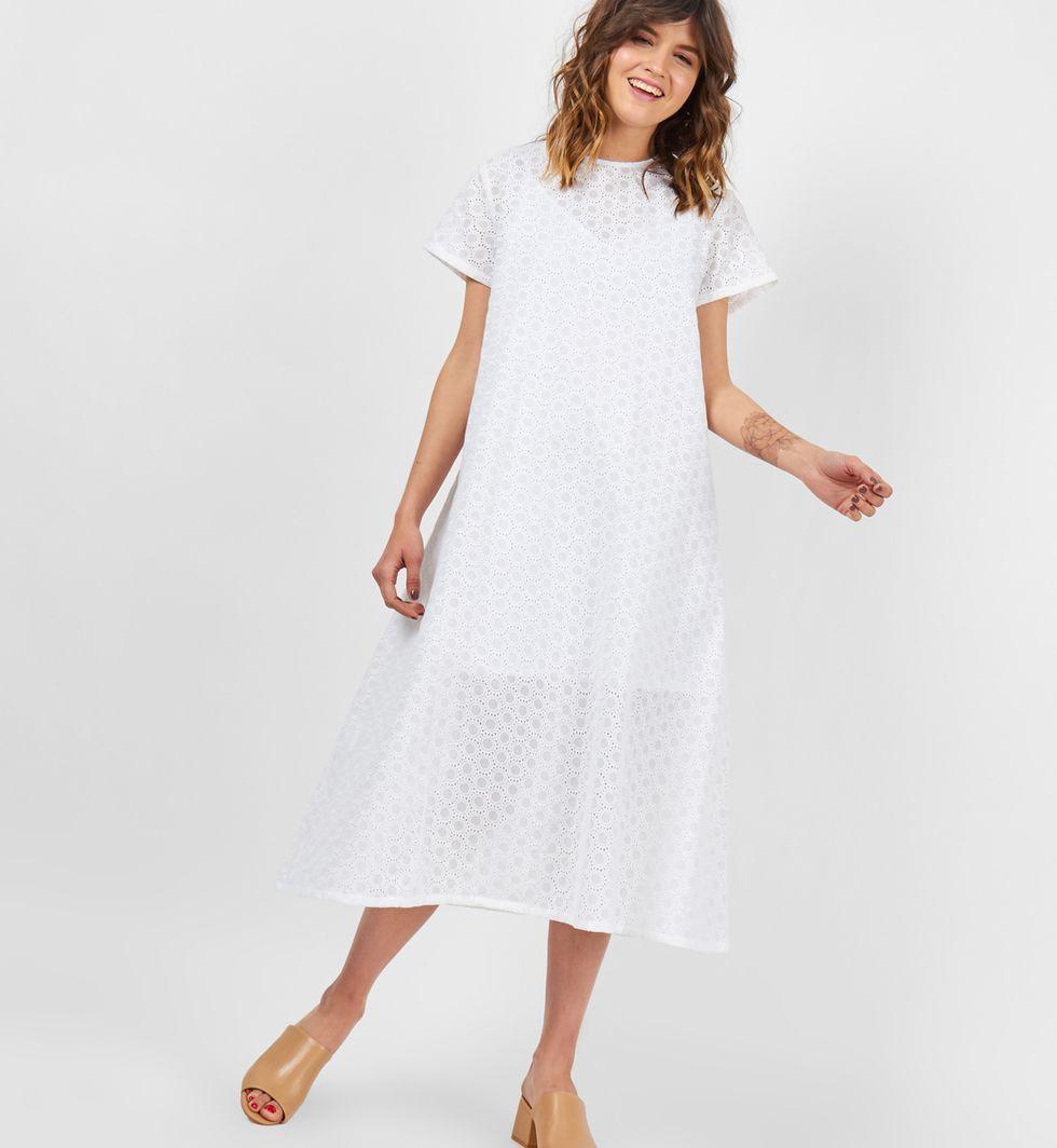 Платье-футболка из шитья Круги Sплатья<br><br><br>Артикул: 8298966<br>Размер: S<br>Цвет: Белый<br>Новинка: НЕТ<br>Наименование en: Embroidered t-shirt dress
