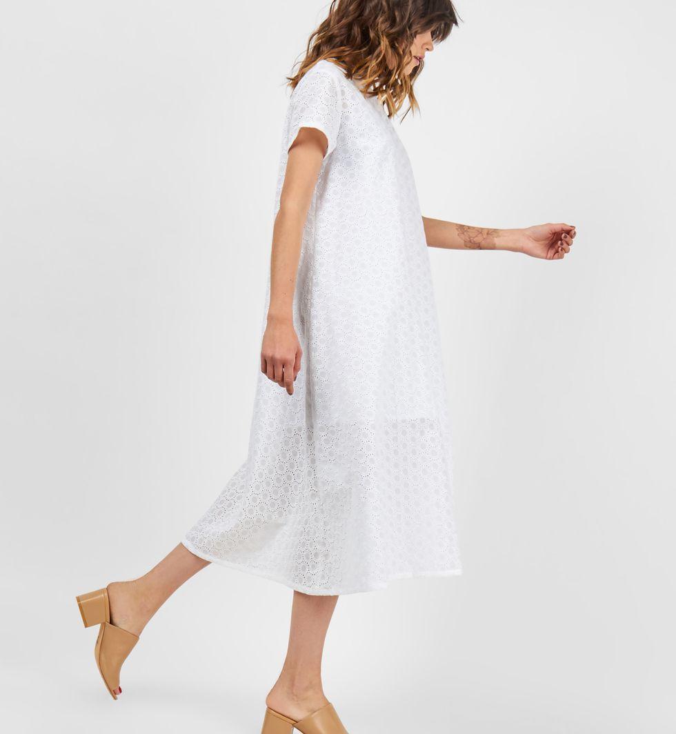 Платье-футболка из шитья Круги Mплатья<br><br><br>Артикул: 8298966<br>Размер: M<br>Цвет: Белый<br>Новинка: НЕТ<br>Наименование en: Embroidered t-shirt dress