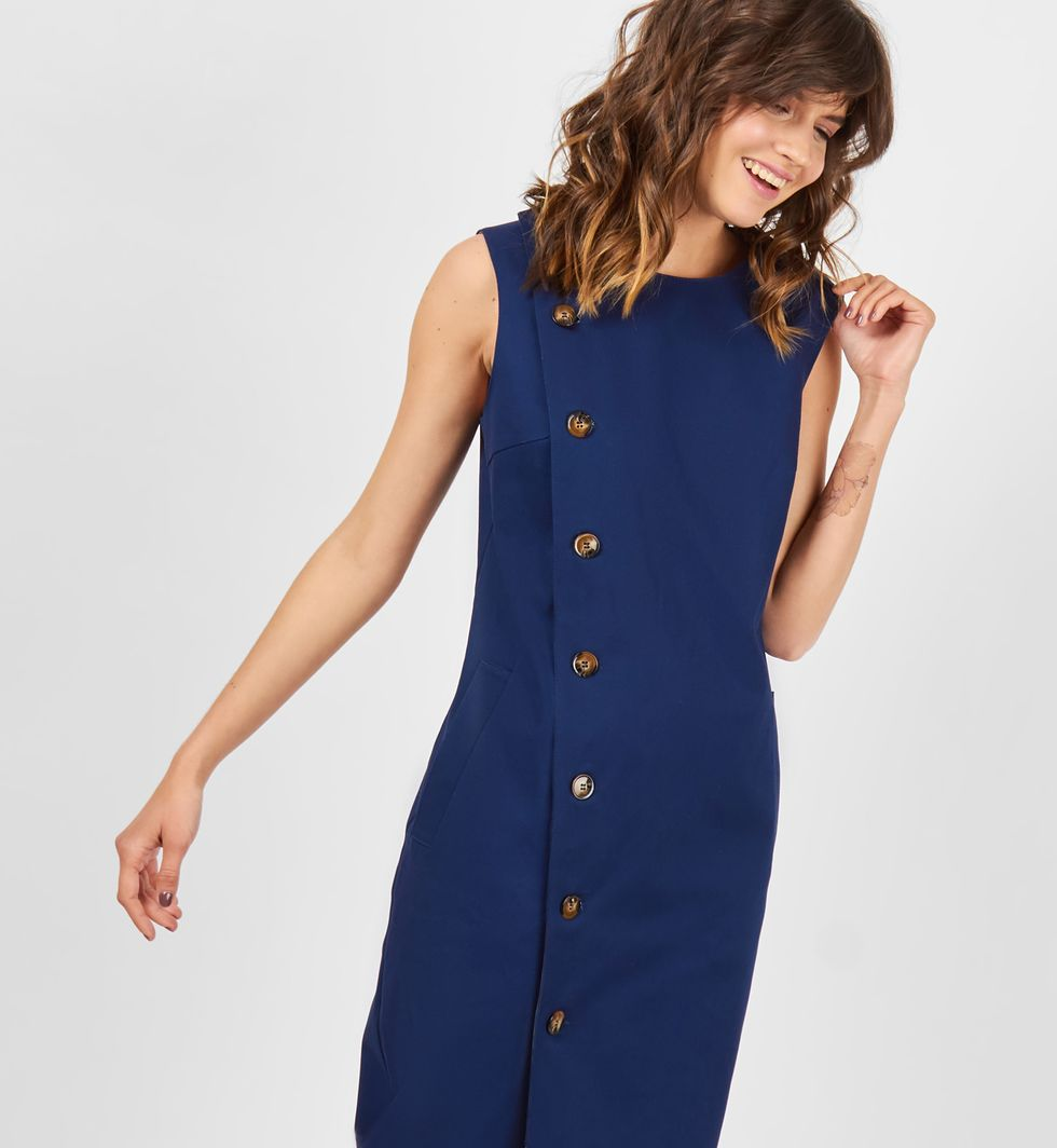 Платье без рукавов из плотного хлопка MПлатья<br><br><br>Артикул: 8299110<br>Размер: M<br>Цвет: Синий<br>Новинка: НЕТ<br>Наименование en: Sleeveless midi dress