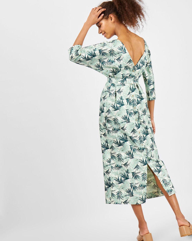Платье миди с вырезом и пуговицами сзади в листьях MПлатья<br><br><br>Артикул: 8299190<br>Размер: M<br>Цвет: Мятный<br>Новинка: НЕТ<br>Наименование en: Back v-neck midi dress