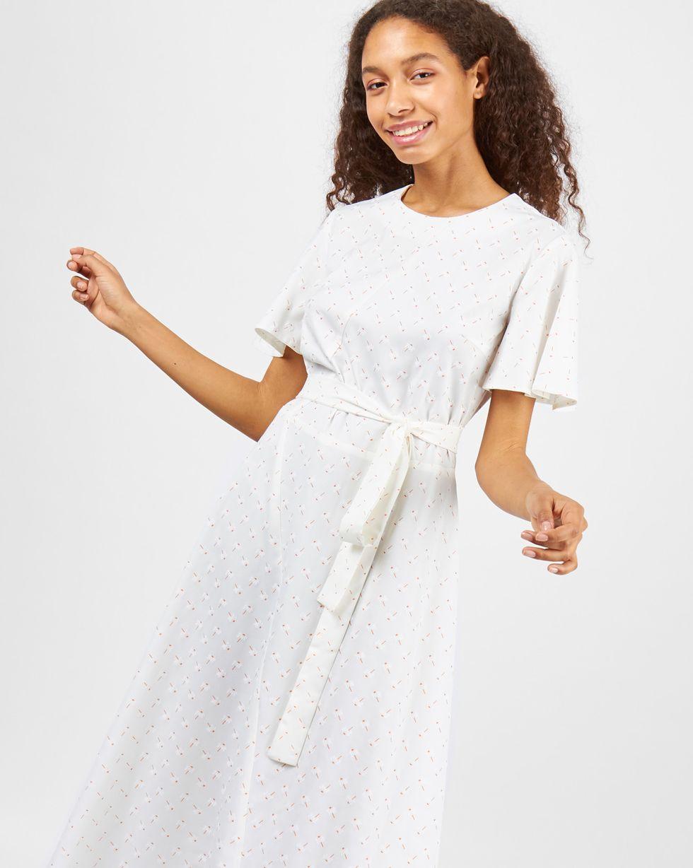 12Storeez Платье миди с рукавами крылышки (молочное)