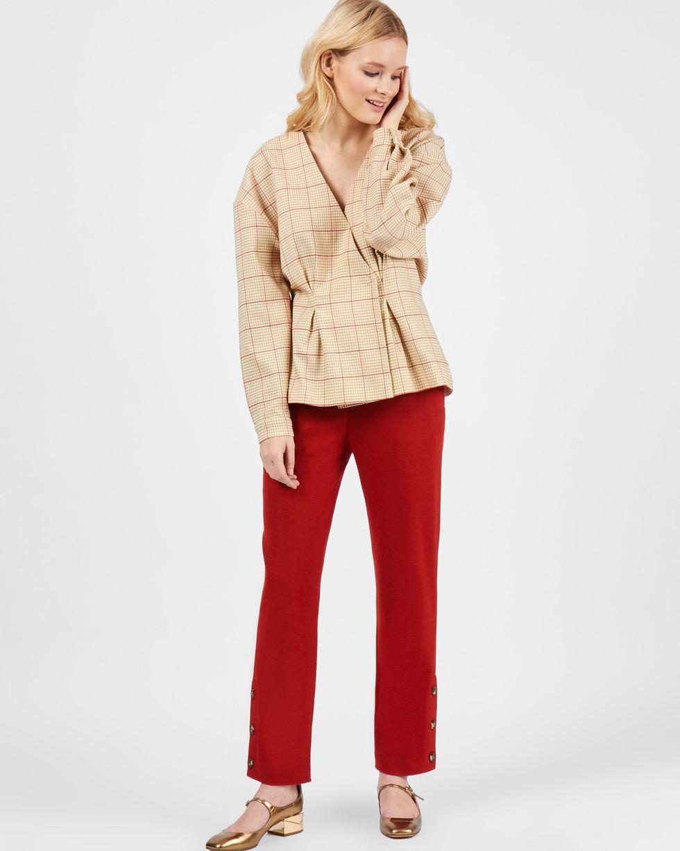 Жакет на кнопках SТопы и блузы<br><br><br>Артикул: 230011520<br>Размер: S<br>Цвет: Светло-коричневый<br>Новинка: НЕТ<br>Наименование en: Snap front wool jacket