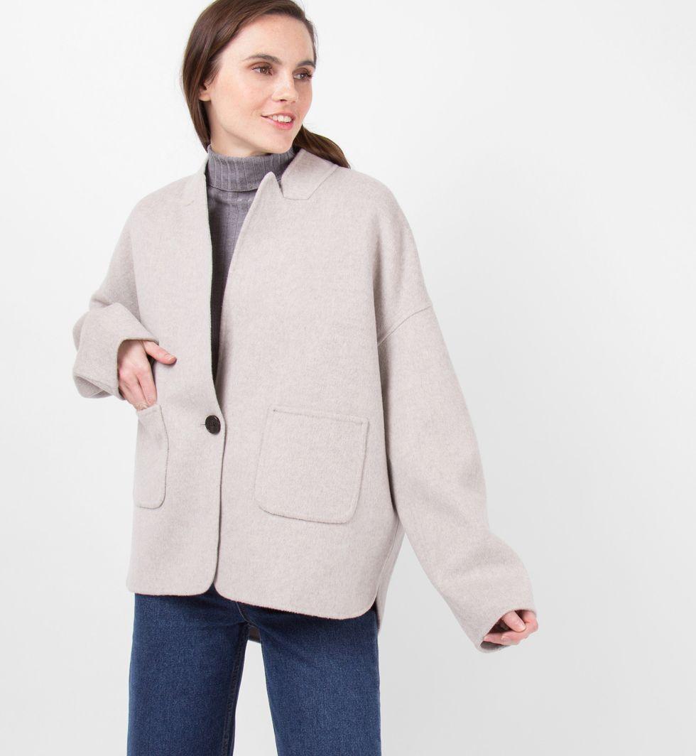 Пальто-жакет One sizeверхняя одежда<br><br><br>Артикул: 7997966<br>Размер: One size<br>Цвет: Светло-серый<br>Новинка: НЕТ<br>Наименование en: Wool blend jacket