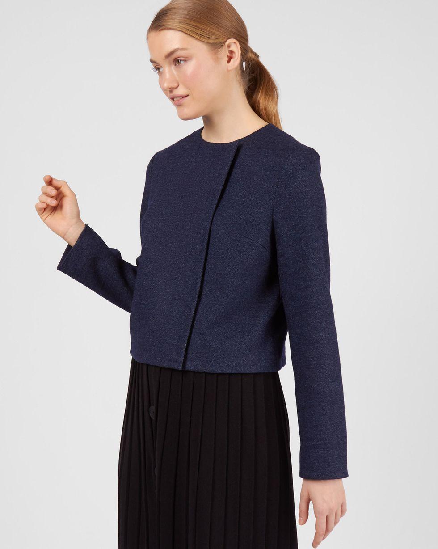 Жакет укороченный из трикотажа LЖакеты<br><br><br>Артикул: 93011199<br>Размер: L<br>Цвет: Темно-синий<br>Новинка: НЕТ<br>Наименование en: Wool blend cropped jacket