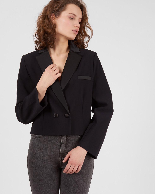 Жакет укороченный с шелковыми лацканами LЖакеты<br><br><br>Артикул: 93012146<br>Размер: L<br>Цвет: Черный<br>Новинка: НЕТ<br>Наименование en: Notch lapel cropped jacket