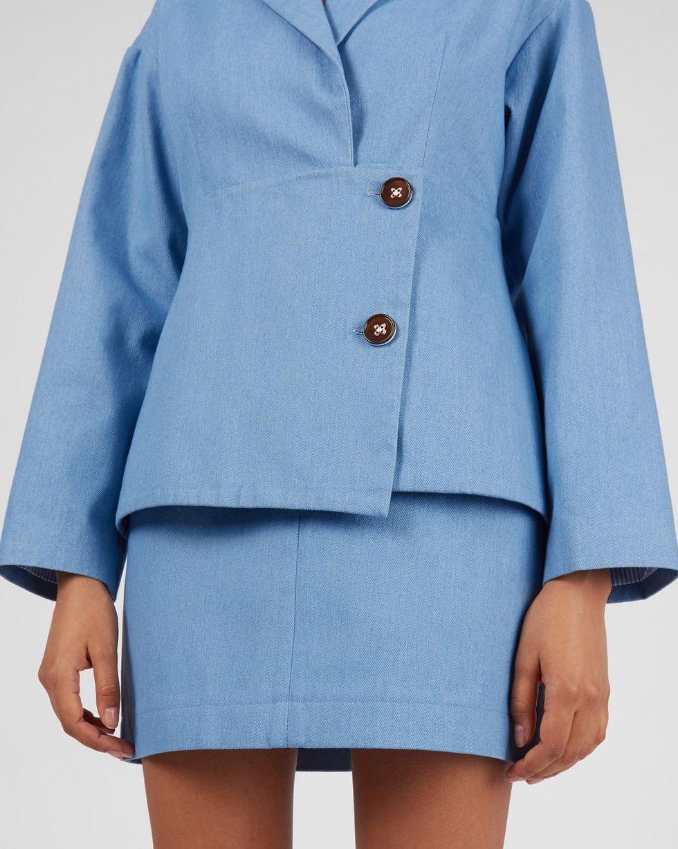 Жакет из денима LЖакеты<br><br><br>Артикул: 93013884<br>Размер: L<br>Цвет: Голубой<br>Новинка: ДА<br>Наименование en: Asymmetric hem denim jacket