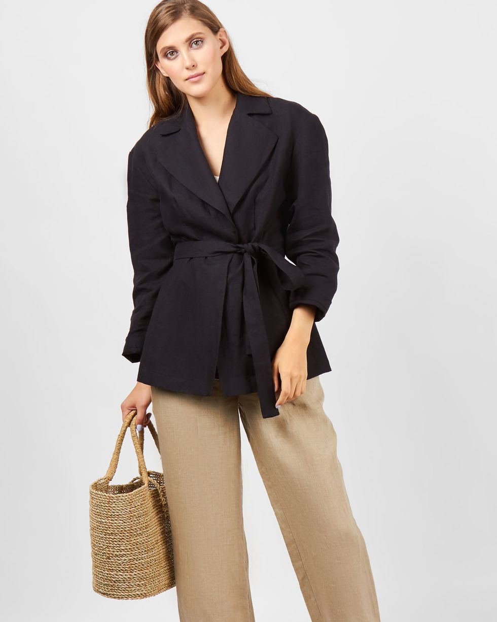 Пиджак изо льна XSжакеты<br><br><br>Артикул: 9309413<br>Размер: XS<br>Цвет: Черный<br>Новинка: НЕТ<br>Наименование en: Linen jacket