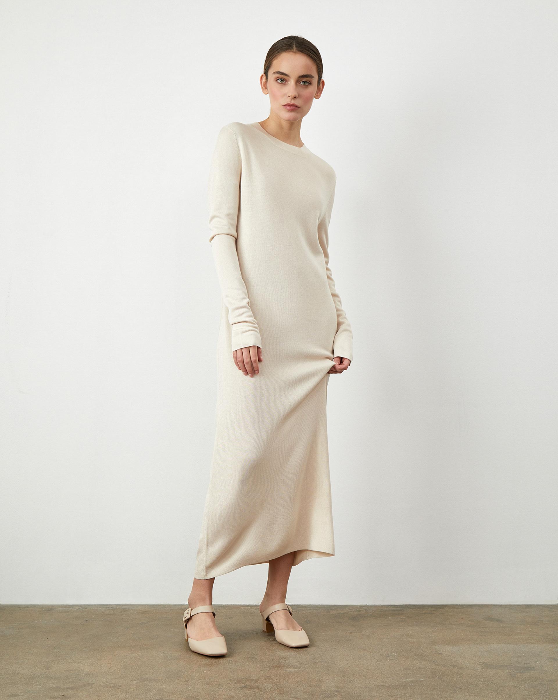 Платье прямое из трикотажа M фото