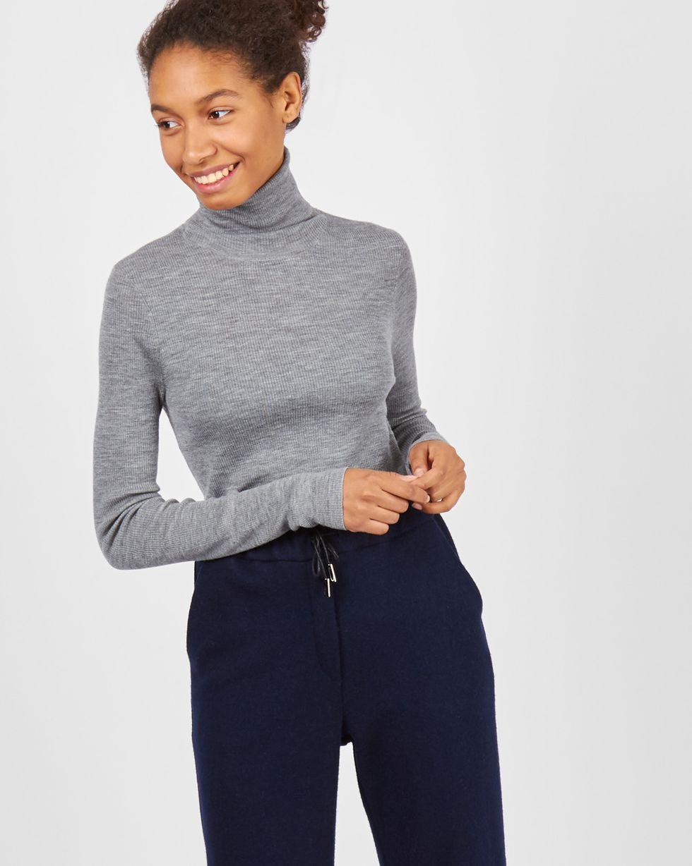 Водолазка тонкой вязки One sizeТрикотаж<br><br><br>Артикул: 84410568<br>Размер: One size<br>Цвет: Светло-серый<br>Новинка: НЕТ<br>Наименование en: Fine-knit turtleneck sweater