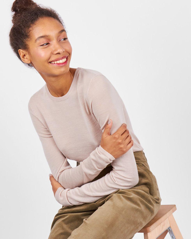 Свитер тонкой вязки SТрикотаж<br><br><br>Артикул: 84411149<br>Размер: S<br>Цвет: Светло-бежевый<br>Новинка: НЕТ<br>Наименование en: Fine-knit sweater