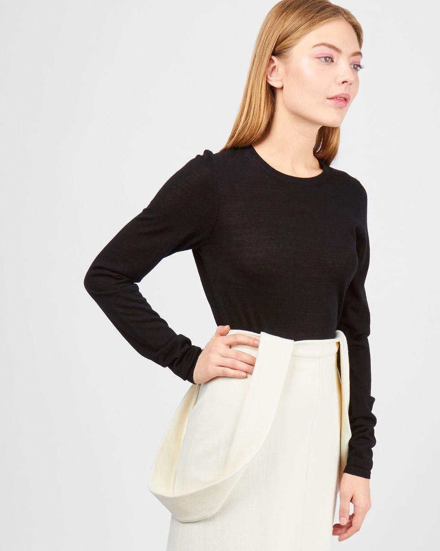 Свитер тонкой вязки LТрикотаж<br><br><br>Артикул: 84411151<br>Размер: L<br>Цвет: Черный<br>Новинка: НЕТ<br>Наименование en: Fine-knit sweater