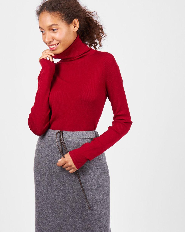Водолазка тонкой вязки One sizeТрикотаж<br><br><br>Артикул: 84411158<br>Размер: One size<br>Цвет: Бордовый<br>Новинка: НЕТ<br>Наименование en: Fine-knit turtleneck sweater