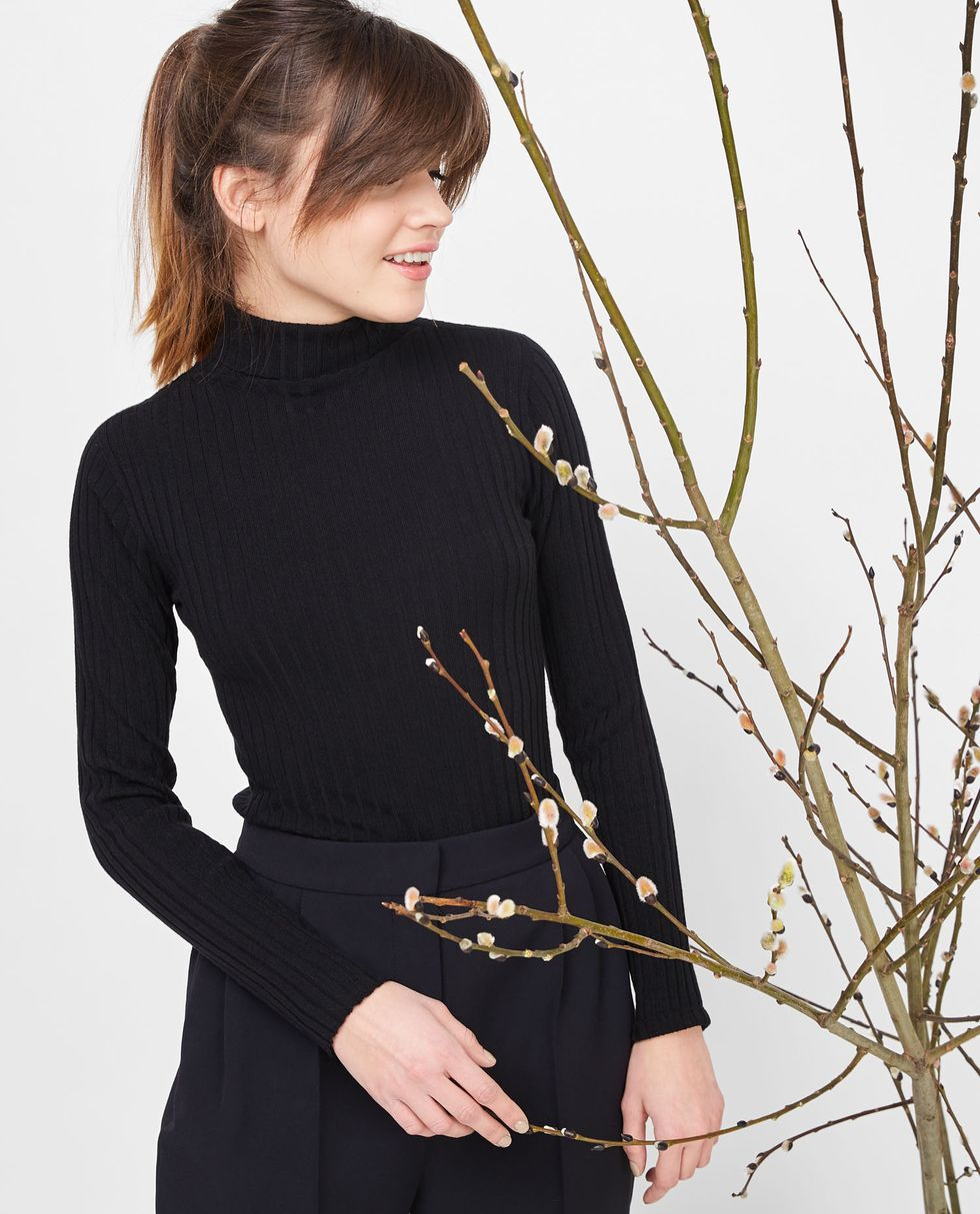 Водолазка One sizeтрикотаж<br><br><br>Артикул: 8444875<br>Размер: One size<br>Цвет: Чёрный<br>Новинка: НЕТ<br>Наименование en: Turtleneck sweater