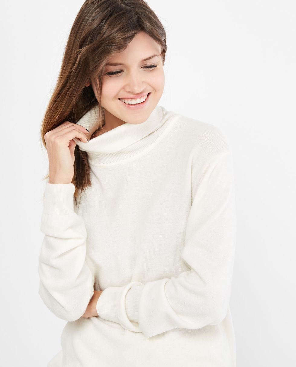 Объемная водолазка One sizeтрикотаж<br><br><br>Артикул: 8447488<br>Размер: One size<br>Цвет: Молочный<br>Новинка: НЕТ<br>Наименование en: Oversized turtleneck sweater