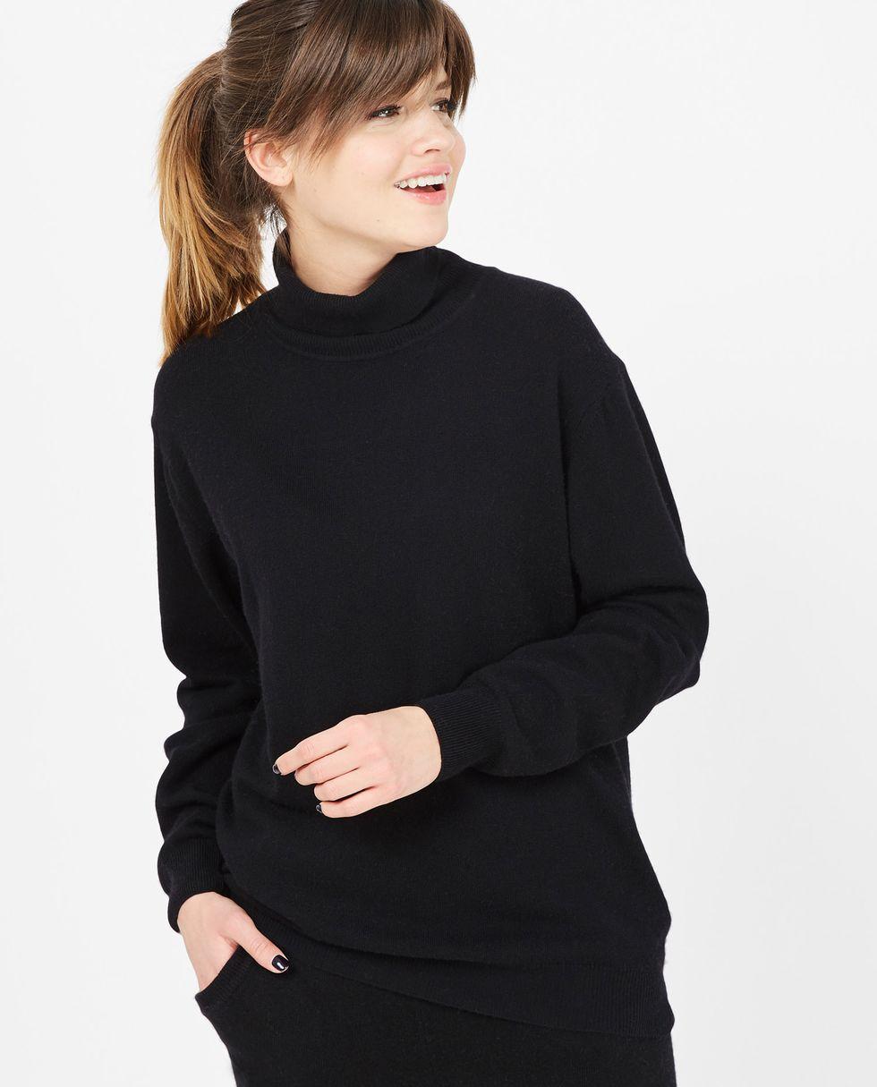 Объемная водолазка One sizeтрикотаж<br><br><br>Артикул: 8447489<br>Размер: One size<br>Цвет: Черный<br>Новинка: НЕТ<br>Наименование en: Oversized turtleneck sweater