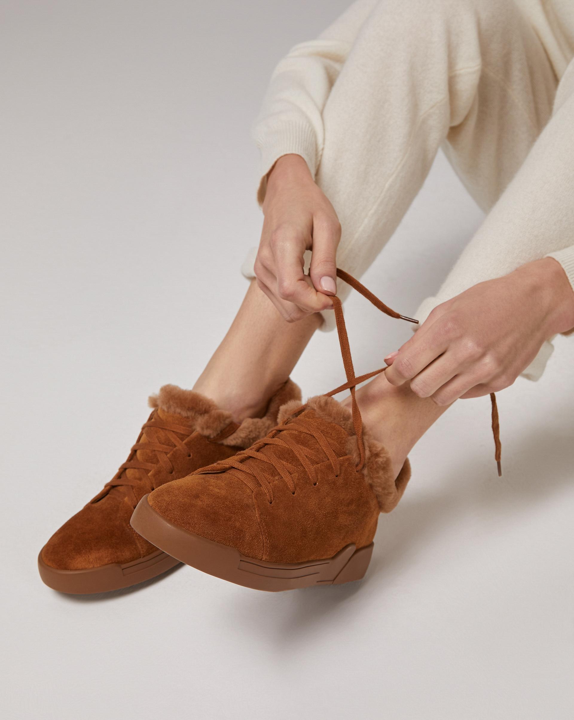 Зимние кеды на шнурках