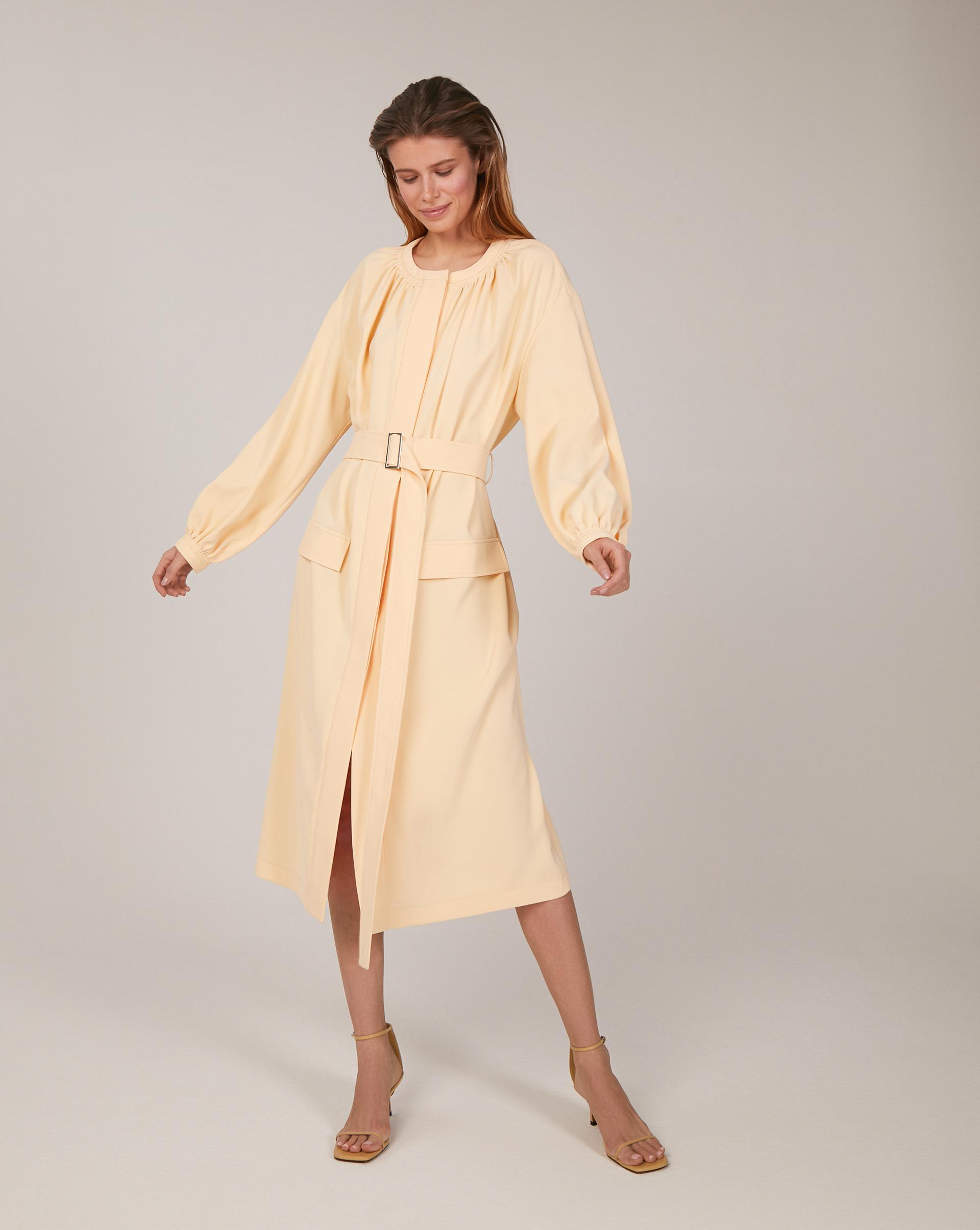 Платье со сборкой на горловине