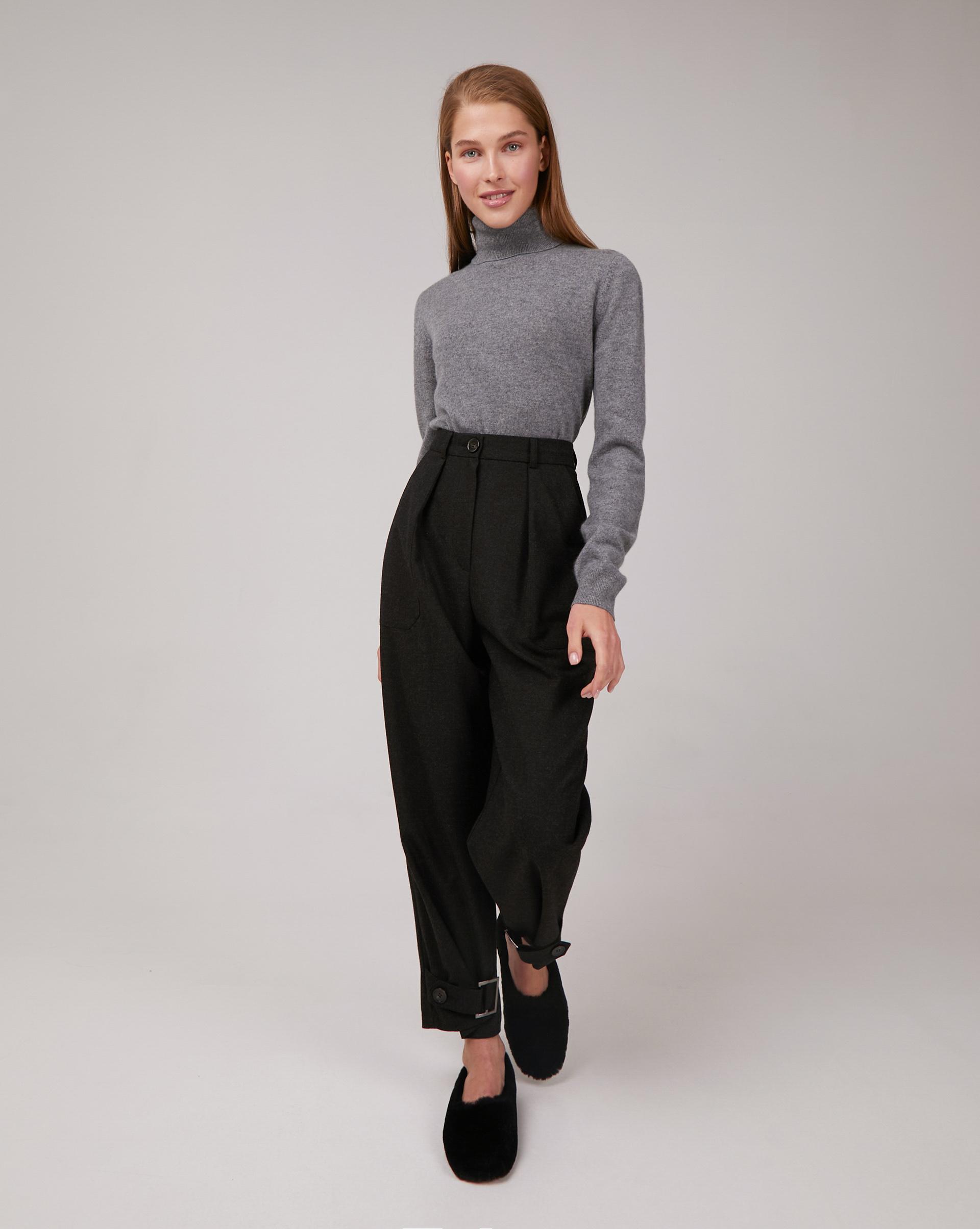 Фото - 12⠀STOREEZ Брюки с регулировками по низу (Темно-серый меланж) брюки в городском стиле из ткани стретч с удлиняющими вырезами