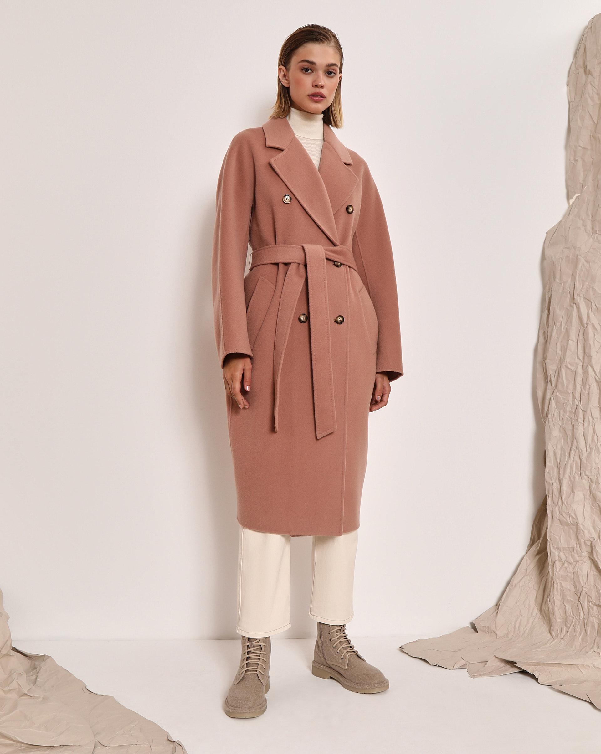 Пальто двубортное с поясом фото