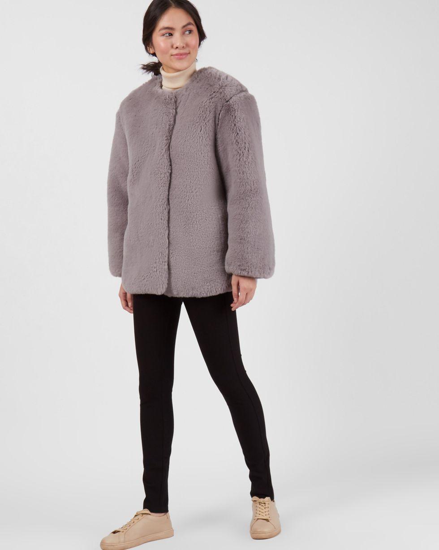 Шуба укороченная из искусственного меха SВерхняя одежда<br><br><br>Артикул: 79912744<br>Размер: S<br>Цвет: Серый<br>Новинка: НЕТ<br>Наименование en: Faux fur collarless jacket