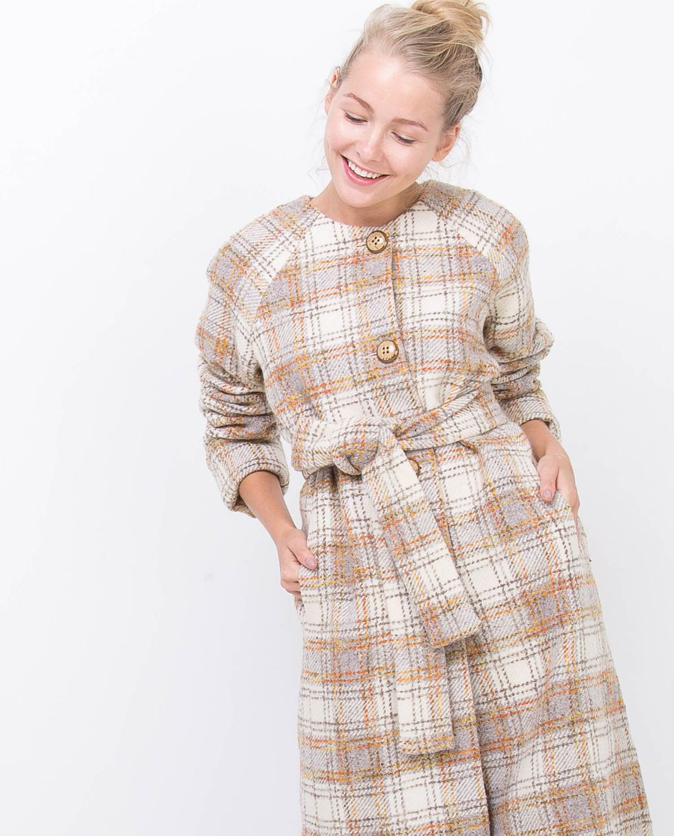 Пальто в клетку SВерхняя одежда<br><br><br>Артикул: 7994970<br>Размер: S<br>Цвет: Молочный<br>Новинка: НЕТ<br>Наименование en: Check pattern wool coat
