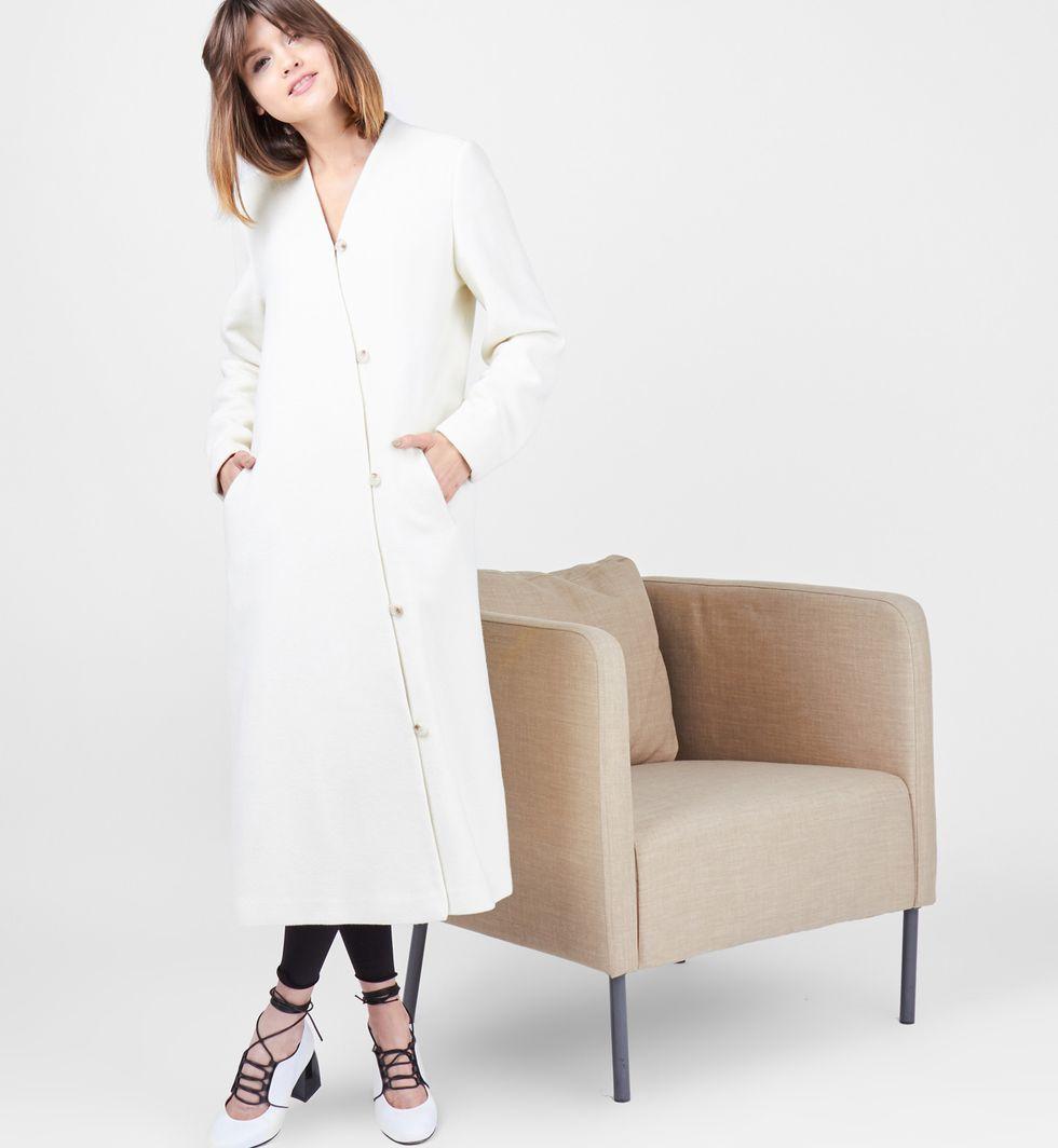 Пальто объемное на пуговицах Sверхняя одежда<br><br><br>Артикул: 7996730<br>Размер: S<br>Цвет: Молочный<br>Новинка: НЕТ<br>Наименование en: Oversized button down coat