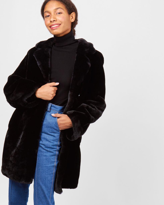 Шуба укороченная из мутона SВерхняя одежда<br><br><br>Артикул: 7997546<br>Размер: S<br>Цвет: Черный<br>Новинка: НЕТ<br>Наименование en: Mouton coat