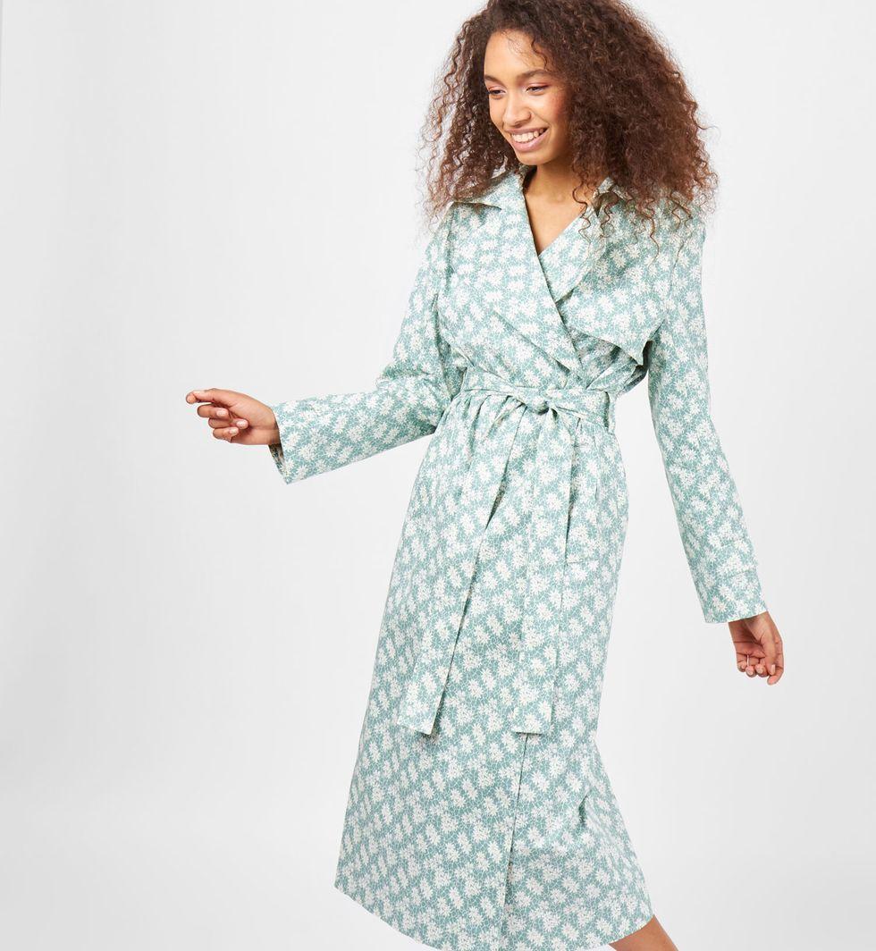 Тренч в цветок Mверхняя одежда<br><br><br>Артикул: 7998554<br>Размер: M<br>Цвет: Мятный<br>Новинка: НЕТ<br>Наименование en: Floral print trench coat