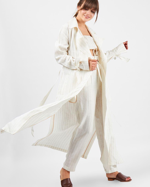 Плащ льняной Sверхняя одежда<br><br><br>Артикул: 7998627<br>Размер: S<br>Цвет: Молочный<br>Новинка: НЕТ<br>Наименование en: Linen coat
