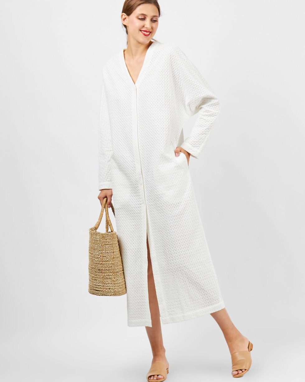 Пыльник из шитья SВерхняя одежда<br><br><br>Артикул: 7999628<br>Размер: S<br>Цвет: Белый<br>Новинка: НЕТ<br>Наименование en: Embroidered duster coat