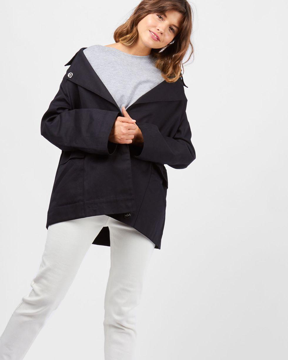 Жакет укороченный SЖакеты<br><br><br>Артикул: 93010538<br>Размер: S<br>Цвет: None<br>Новинка: НЕТ<br>Наименование en: Cropped jacket