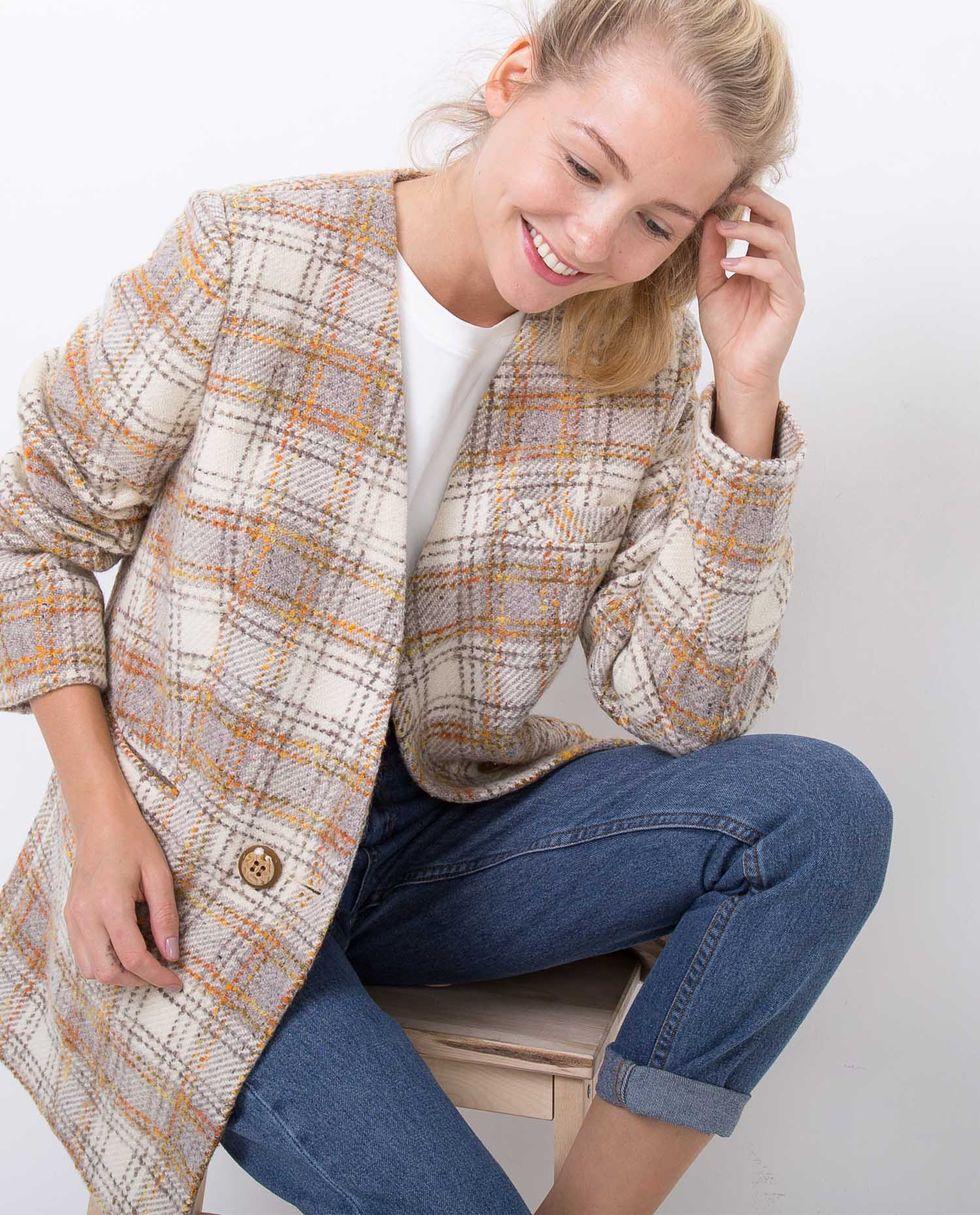 Пиджак-пальто в клетку XSВерхняя одежда<br><br><br>Артикул: 9305004<br>Размер: XS<br>Цвет: Молочный<br>Новинка: НЕТ<br>Наименование en: None