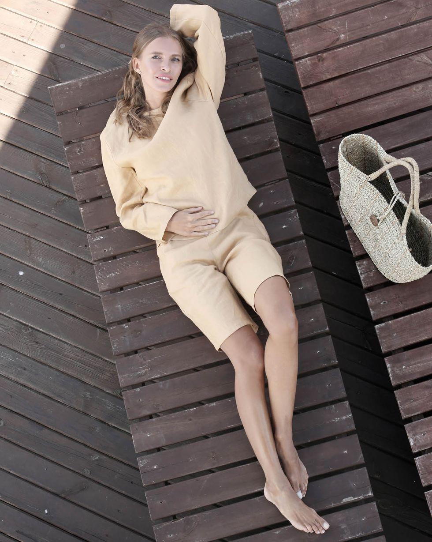 Костюм: топ и удлиненные шорты изо льна MКомплекты<br><br><br>Артикул: 7010154<br>Размер: M<br>Цвет: Бежевый<br>Новинка: НЕТ<br>Наименование en: Long sleeve top and shorts set