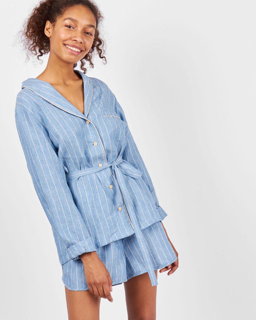 Комплект: рубашка с шортами в полоску SКомплекты<br><br><br>Артикул: 7010259<br>Размер: S<br>Цвет: Голубой<br>Новинка: НЕТ<br>Наименование en: Stripe linen shirt and shorts co-ord