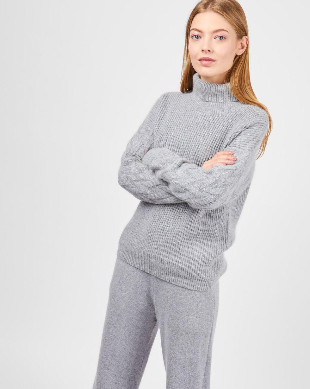 Костюм: свитер с широкими брюками MКомплекты<br><br><br>Артикул: 7011019<br>Размер: M<br>Цвет: Серый<br>Новинка: НЕТ<br>Наименование en: Wool sweater and wide-leg pants co-ord set