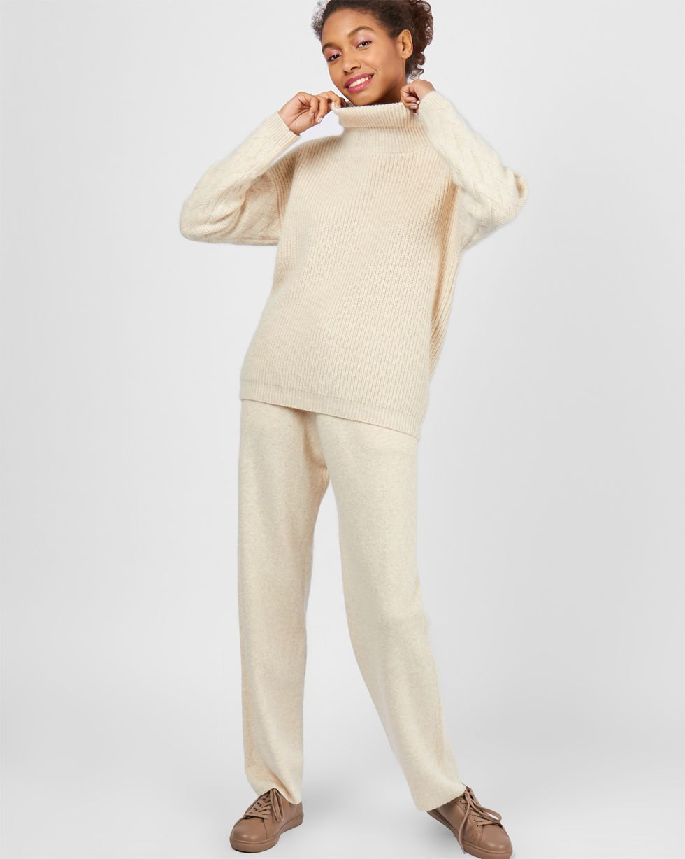 Костюм: свитер с широкими брюками SКомплекты<br><br><br>Артикул: 7011100<br>Размер: S<br>Цвет: Молочный<br>Новинка: НЕТ<br>Наименование en: Wool sweater and wide-leg pants co-ord set