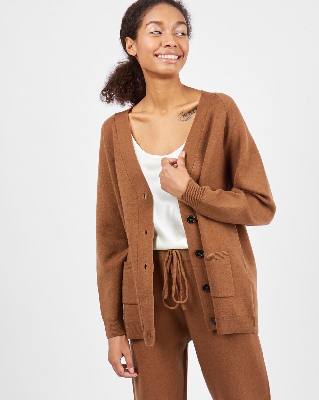 12Storeez Костюм трикотажный: кардиган и брюки (светло-коричневый) 12storeez комплект кардиган и плиссированная юбка коричневый черный