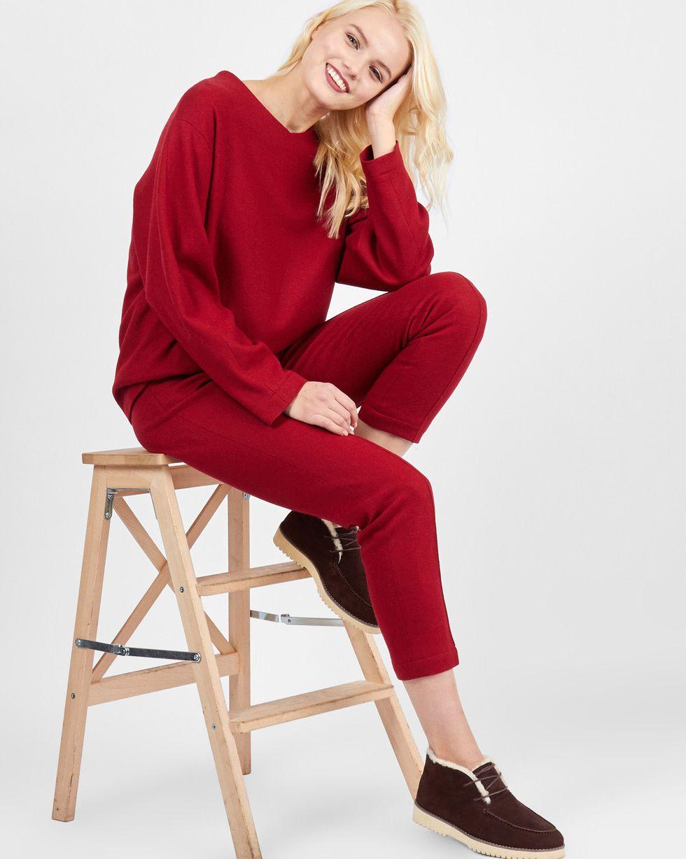 Комплект: Свитер и брюки укороченные MКомплекты<br><br><br>Артикул: 7011907<br>Размер: M<br>Цвет: Бордовый<br>Новинка: НЕТ<br>Наименование en: Knit sweater and cropped trousers co-ord set